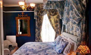 Sapphire Room